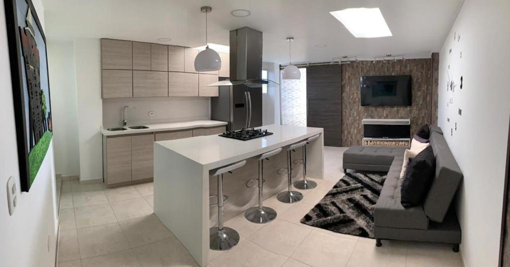 Penthouse - Vista Hermosa Apartments