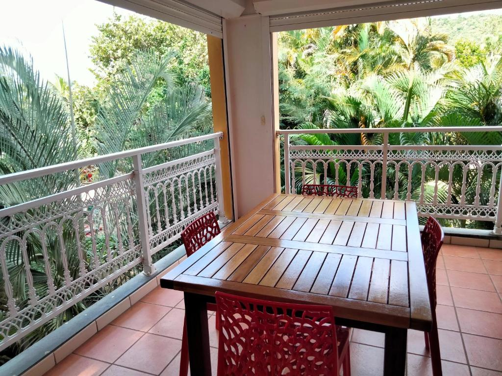 A balcony or terrace at Courbaril Village