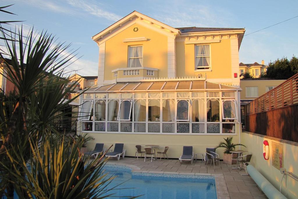 Riviera Lodge Hotel - Laterooms