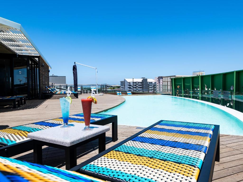 The swimming pool at or close to aha Gateway Hotel Umhlanga