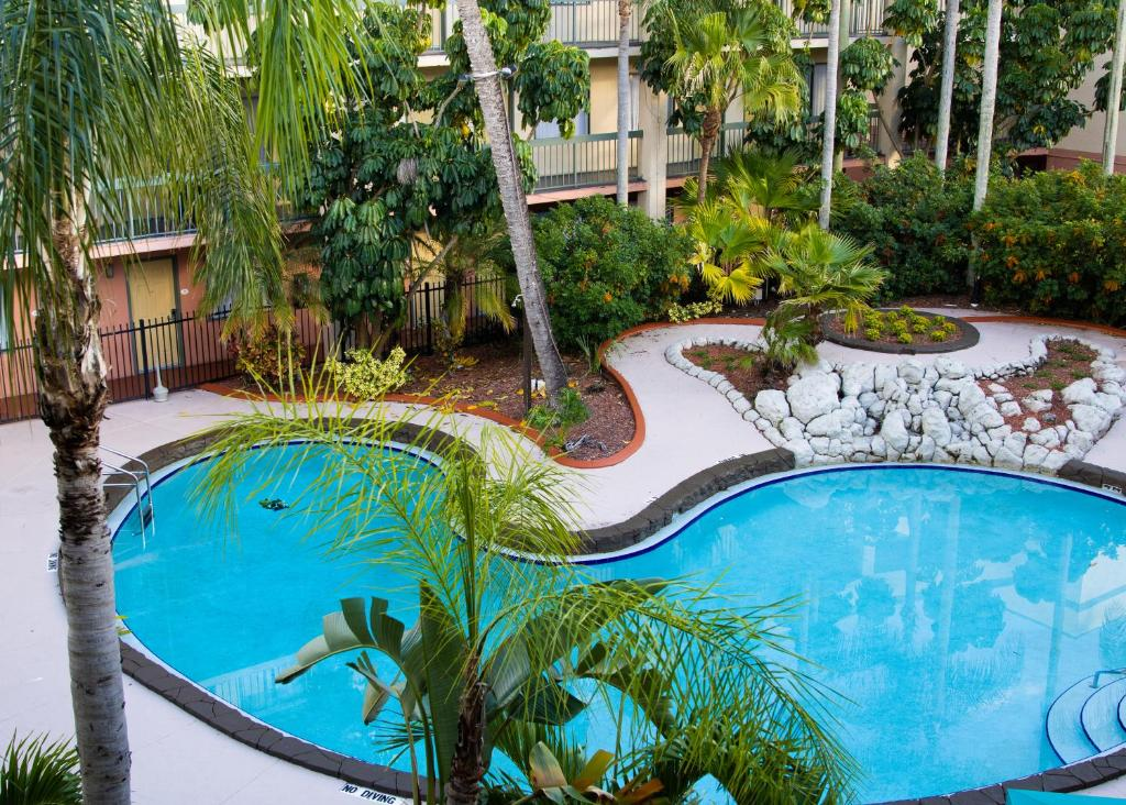 A view of the pool at Karma Nest Tampa or nearby