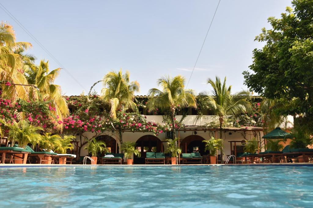 The swimming pool at or near Hotel Mariscal Robledo