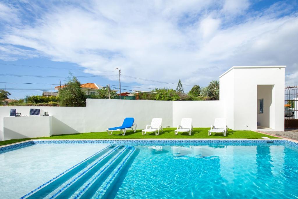 A piscina localizada em Genesis Apartments Jan Thiel ou nos arredores