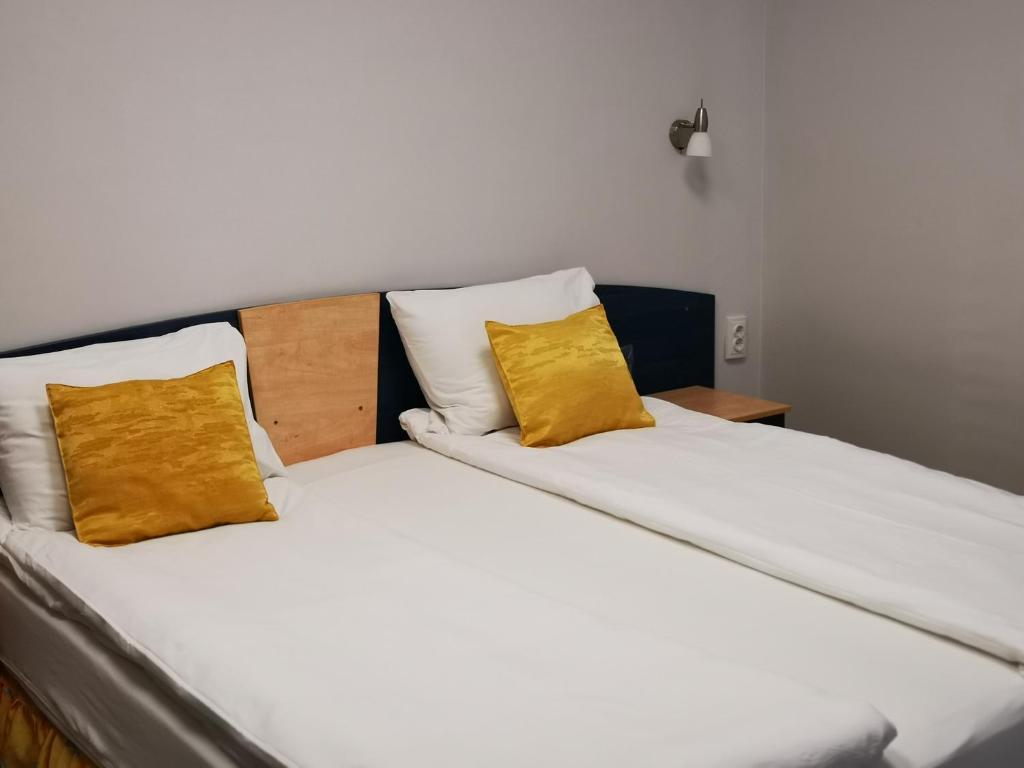 Легло или легла в стая в Хотел Адис Лом/Hotel Adis Лом