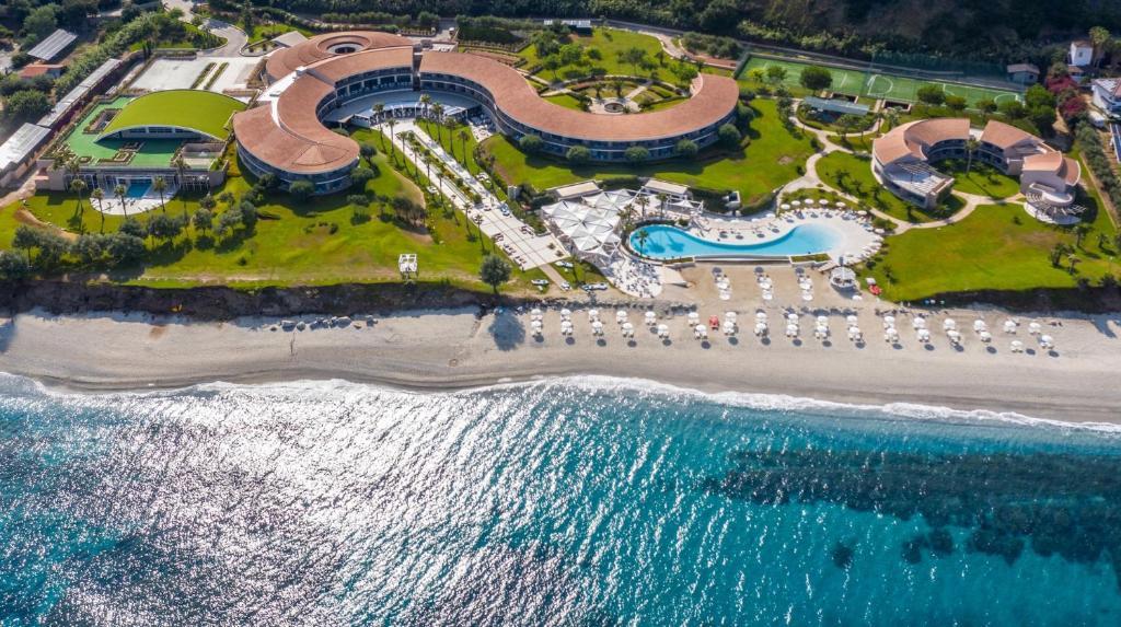 A bird's-eye view of Capovaticano Resort Thalasso Spa