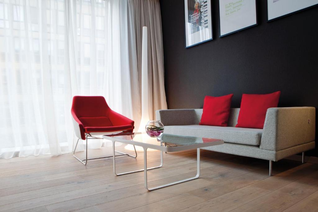 A seating area at Radisson Blu Hotel, Glasgow