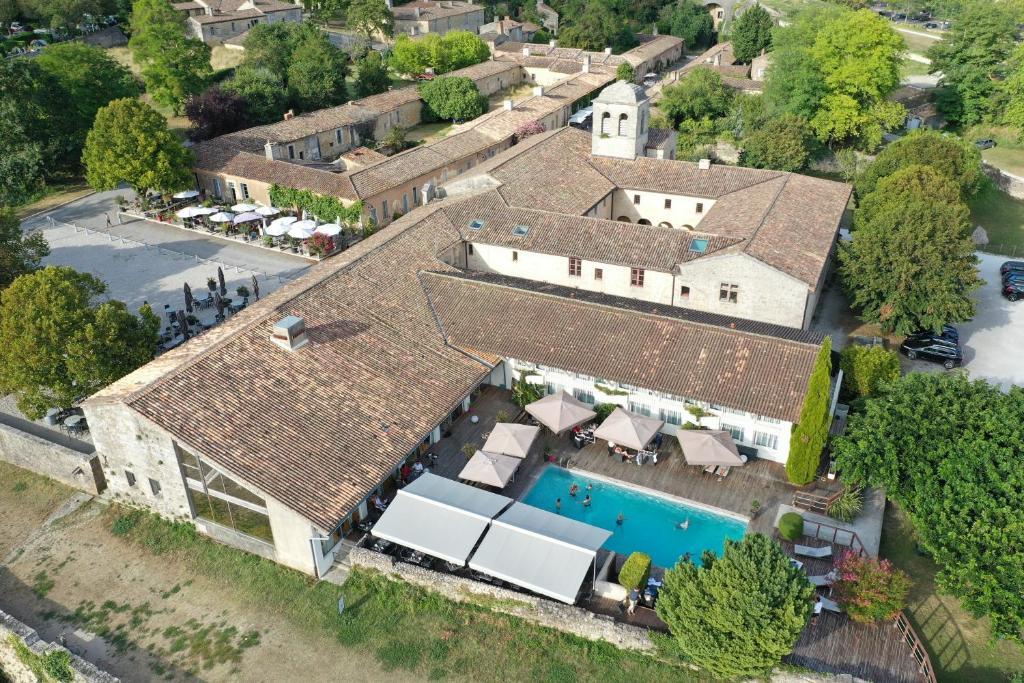 Vue panoramique sur l'établissement Hôtel Restaurant La Citadelle