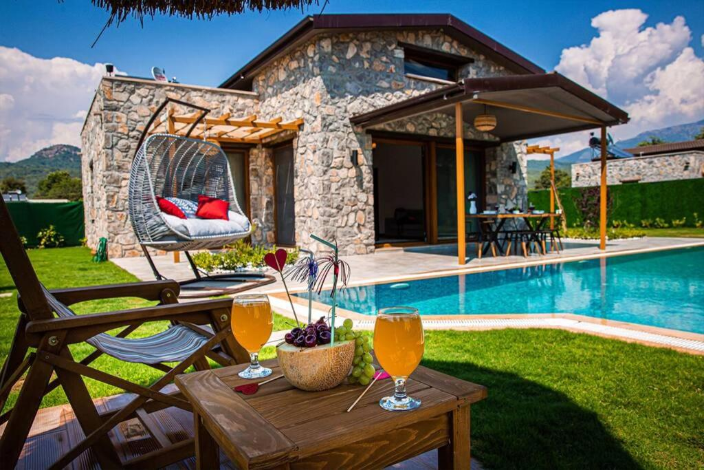 Luxury Villa With Private Pool and Stunning Garden