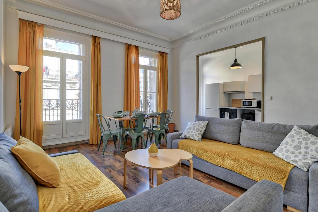 A seating area at NOCNOC - Le Balcon de Colbert