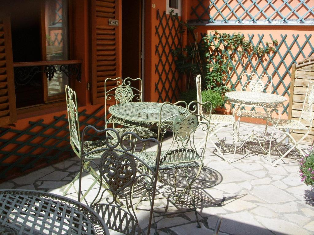 Een patio of ander buitengedeelte van Hôtel Beaunier