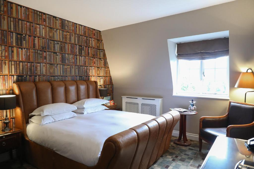 A room at the Hotel du Vin Cannizaro House Wimbledon.