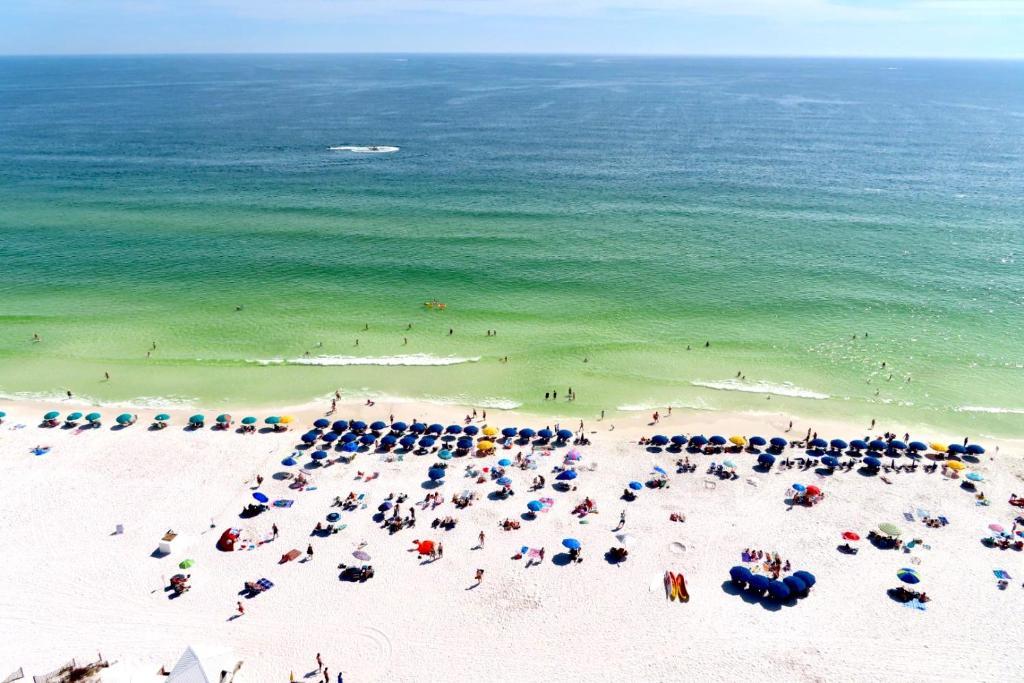 A bird's-eye view of Beach Front 16th Flr, Best Ocean View, New Upgrades