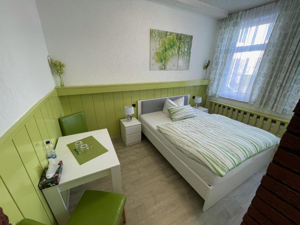 önálló lakás kleve)