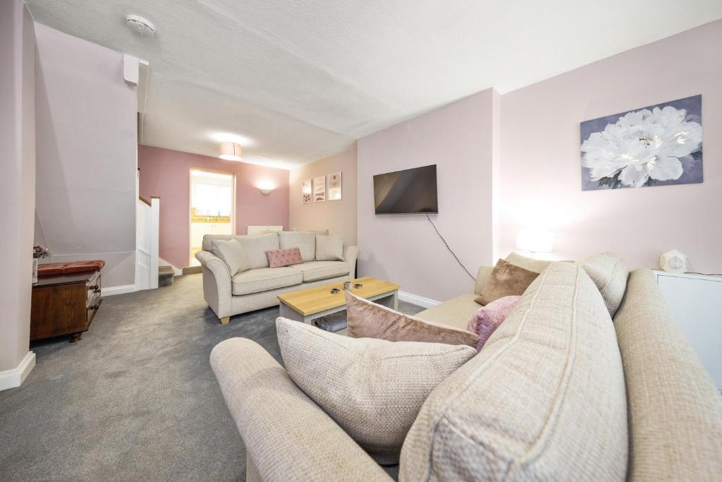 A seating area at Inspire Homes - Joe's Cottage