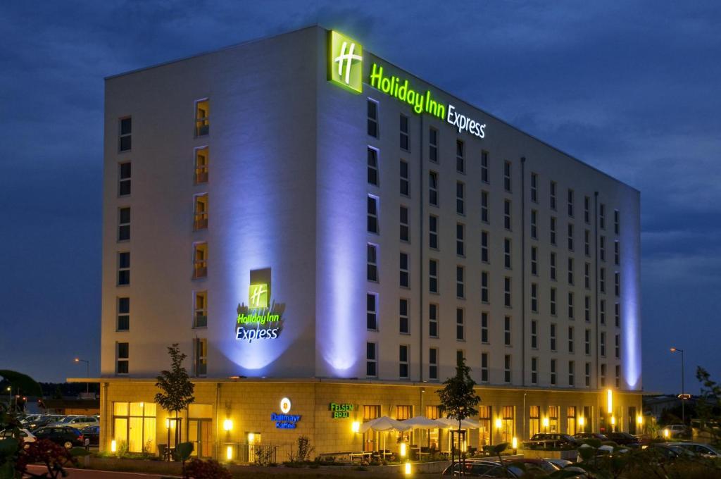 Holiday Inn Express NÜRNBERG-SCHWABACH - Laterooms