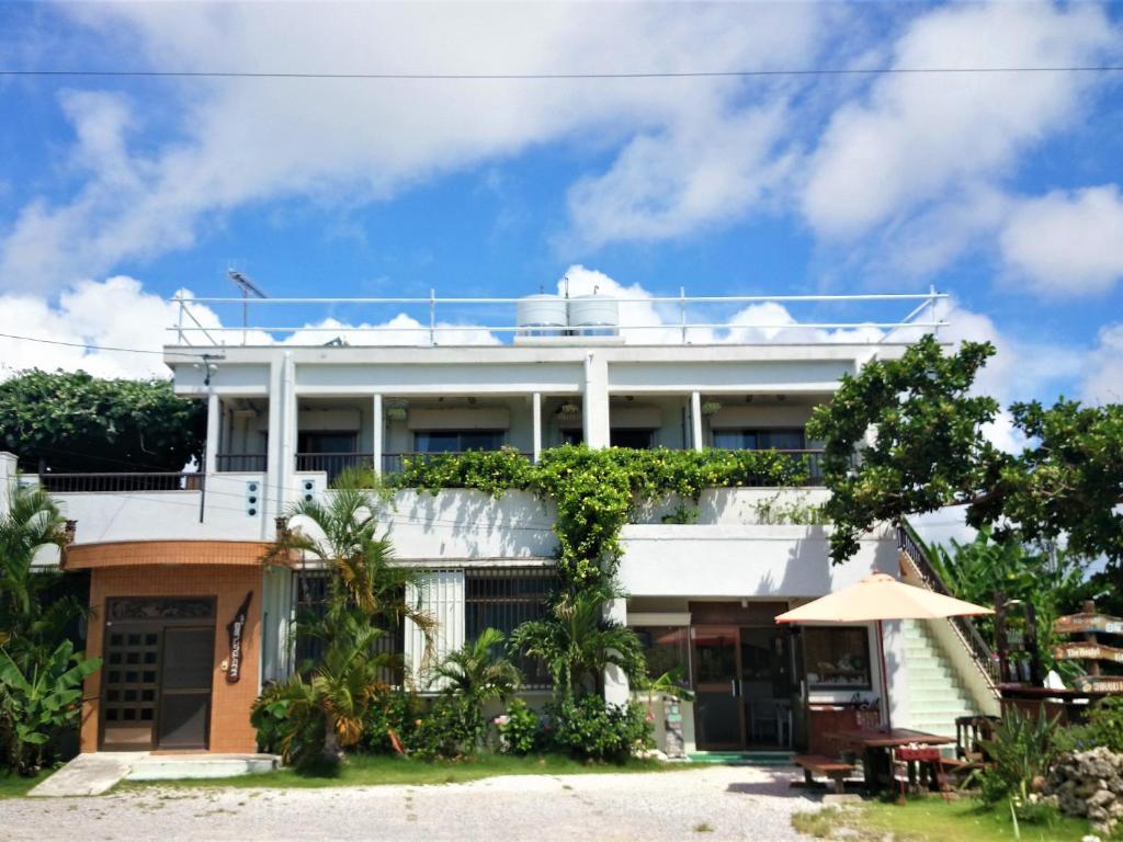 Shiraho Friends House