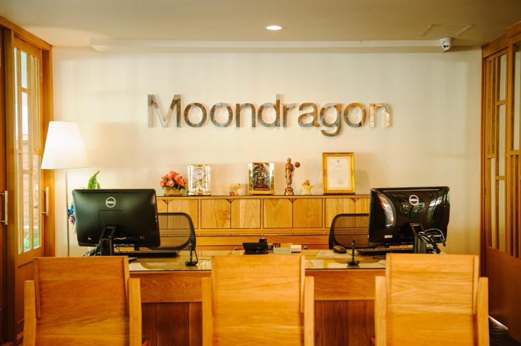 The lobby or reception area at Moon Dragon Hotel