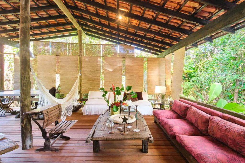 A seating area at Residence Picinguaba