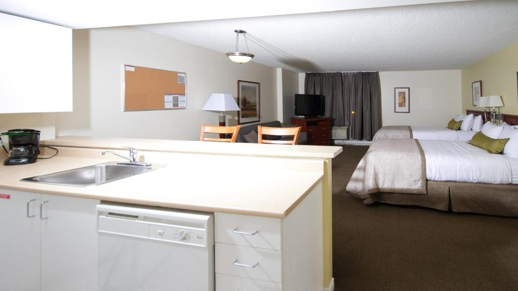 Candlewood Suites MONTREAL DOWNTOWN CENTRE VILLE - Laterooms