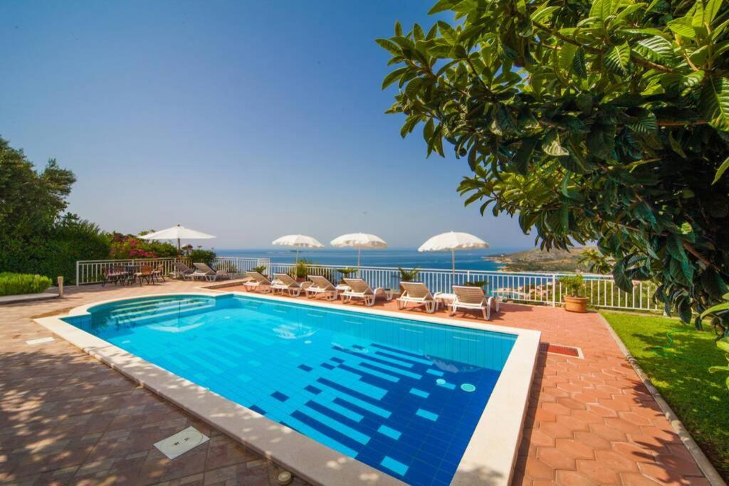 The swimming pool at or close to Prestige Villa Diamond View