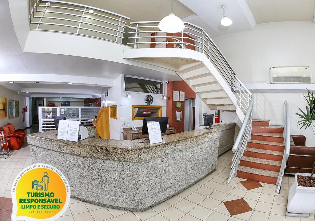 Лобби или стойка регистрации в Hotel Express Mauá