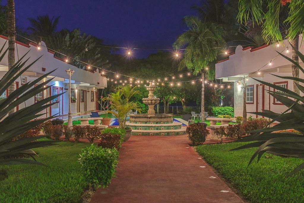 Jardín al aire libre en Hotel Lagoon - Pet Friendly