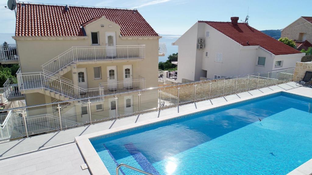 The swimming pool at or close to Villa Samba