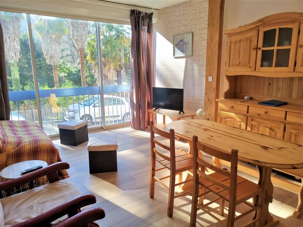 1 Bedroom Apartment Refurbished 5 Min Walk From Town Center Vernet Les Bains France Booking Com
