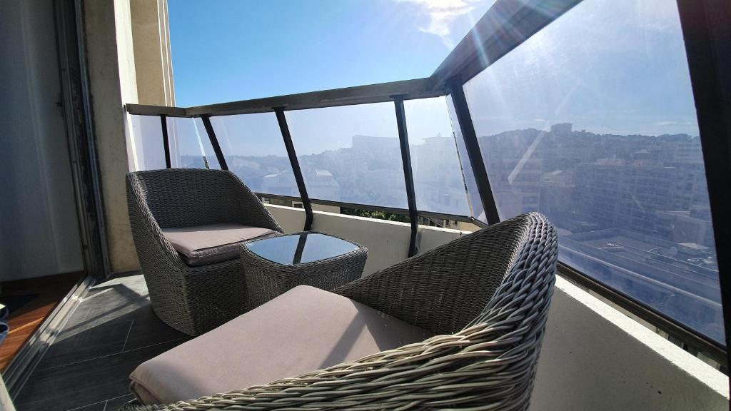 A balcony or terrace at Appartement Prado T1