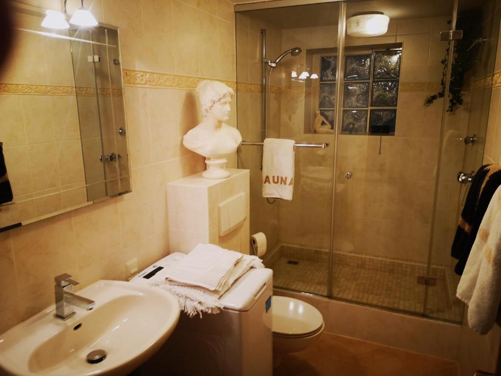 Ferienwohnung Exclusive App., 20 rooms, WC, Sauna Deutschland ...