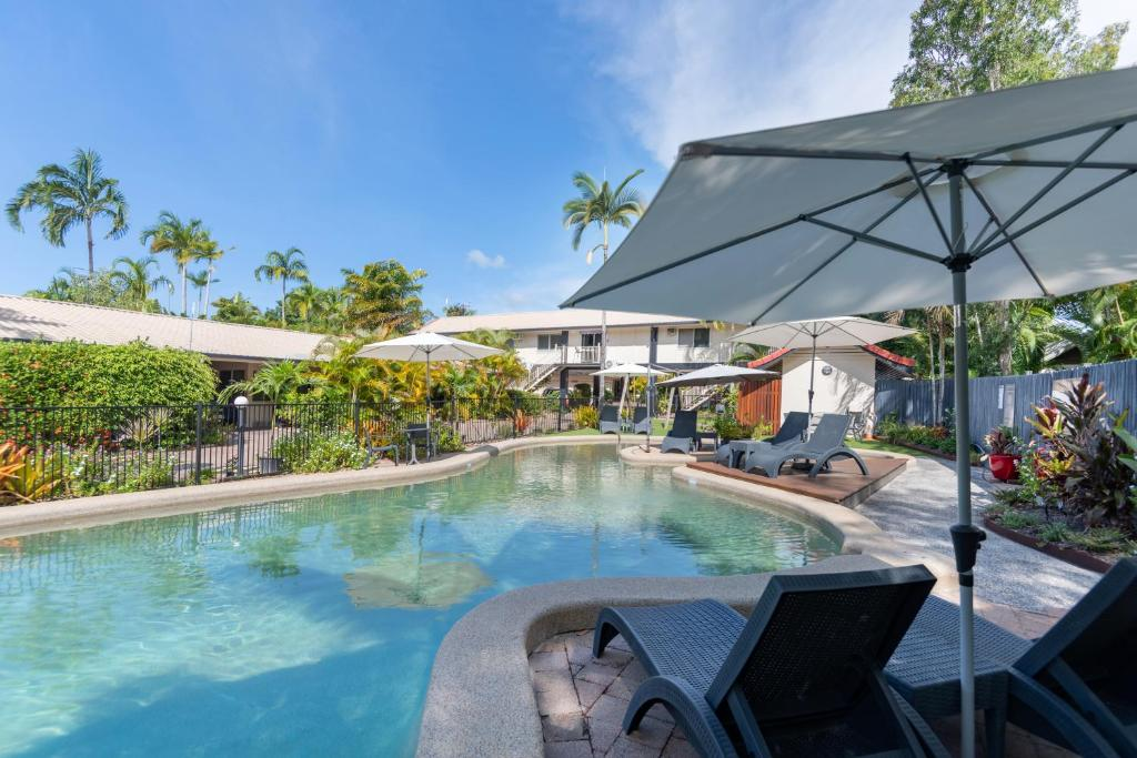 The swimming pool at or near Lychee Tree Holiday Apartments