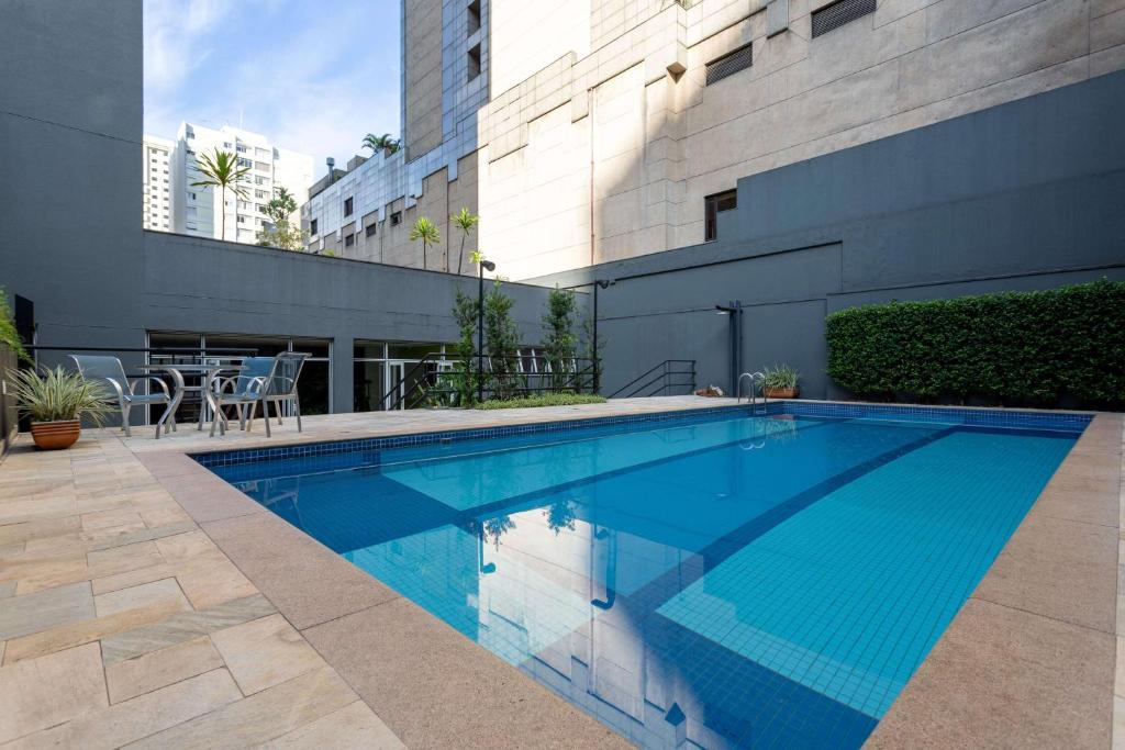 The swimming pool at or close to Wyndham Sao Paulo Paulista