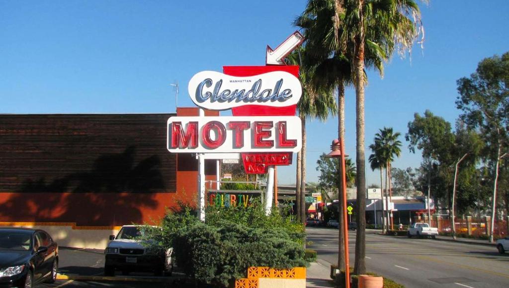 The Glendale Manhattan Motel.