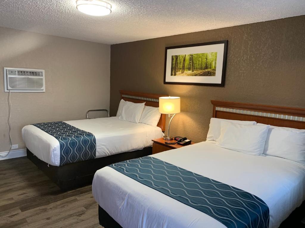 Champlain Motor Inn