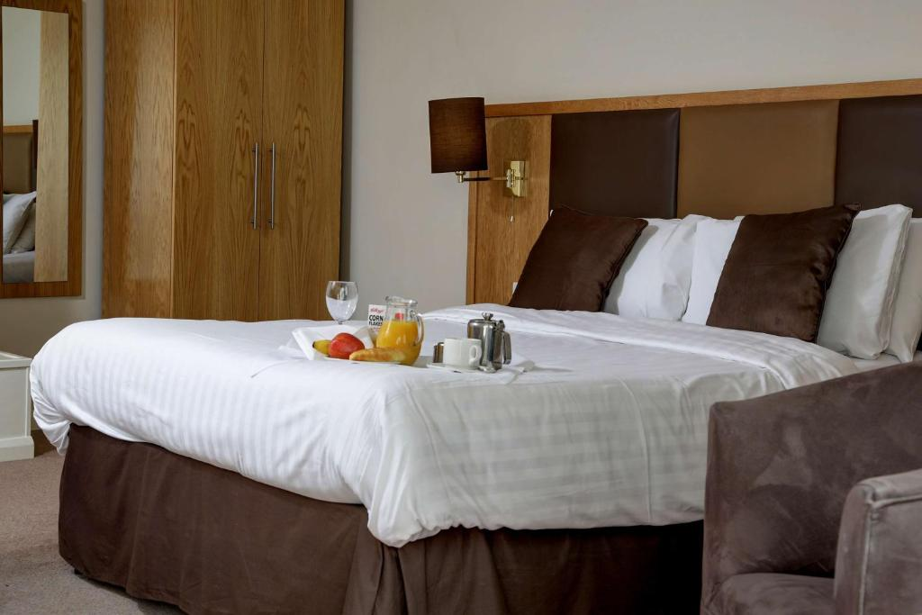 A bed or beds in a room at The Sea Hotel, Sure Hotel Collection by Best Western