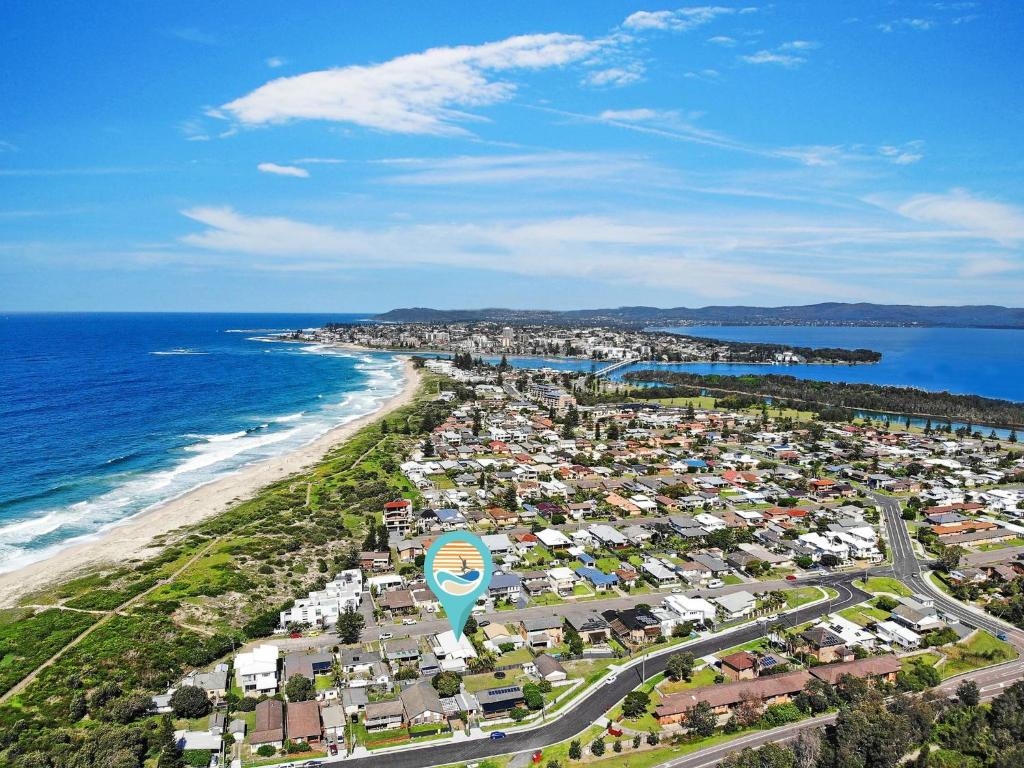A bird's-eye view of Gone to the Beach - 40 Coogee Ave, The Entrance No