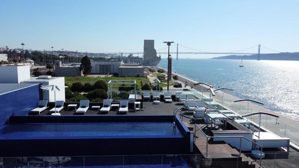 Vista de la piscina de Altis Belem Hotel & Spa - Design Hotels o alrededores