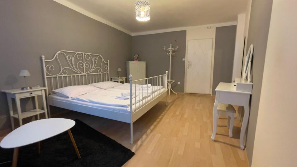 Postel nebo postele na pokoji v ubytování Pension Linden