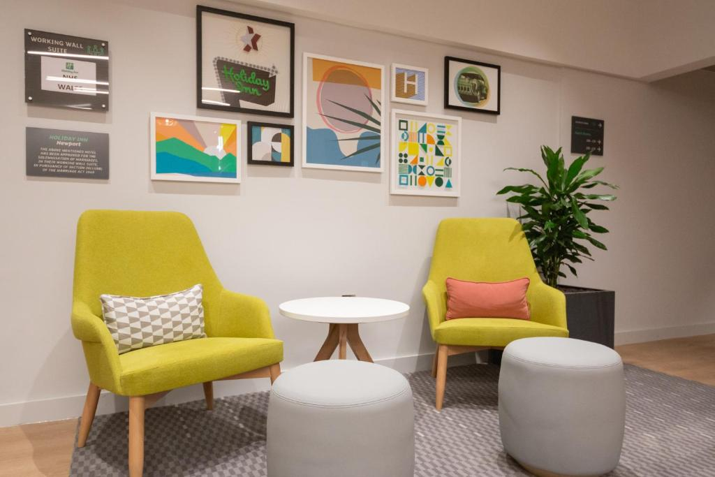 Holiday Inn NEWPORT - Laterooms