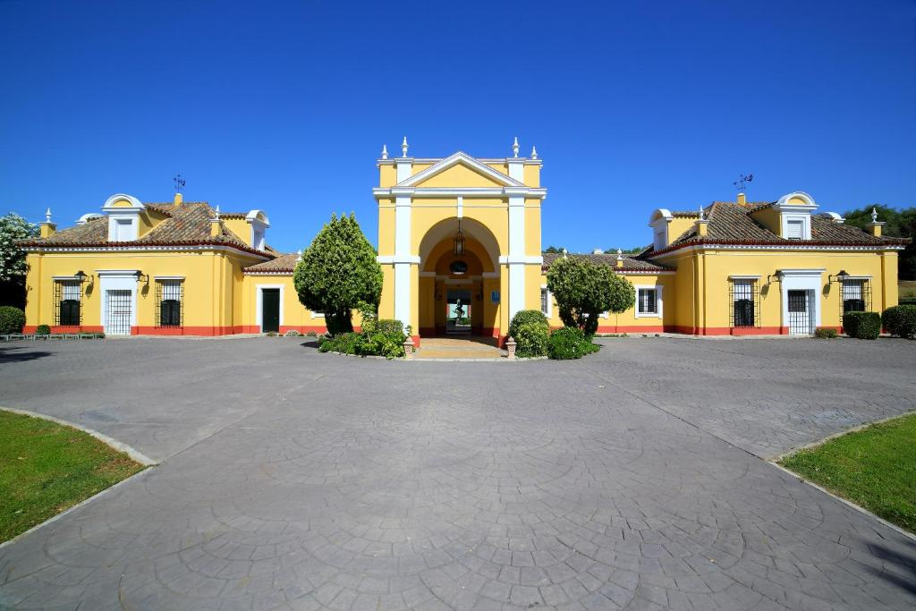 Hotel Hacienda Montenmedio 2