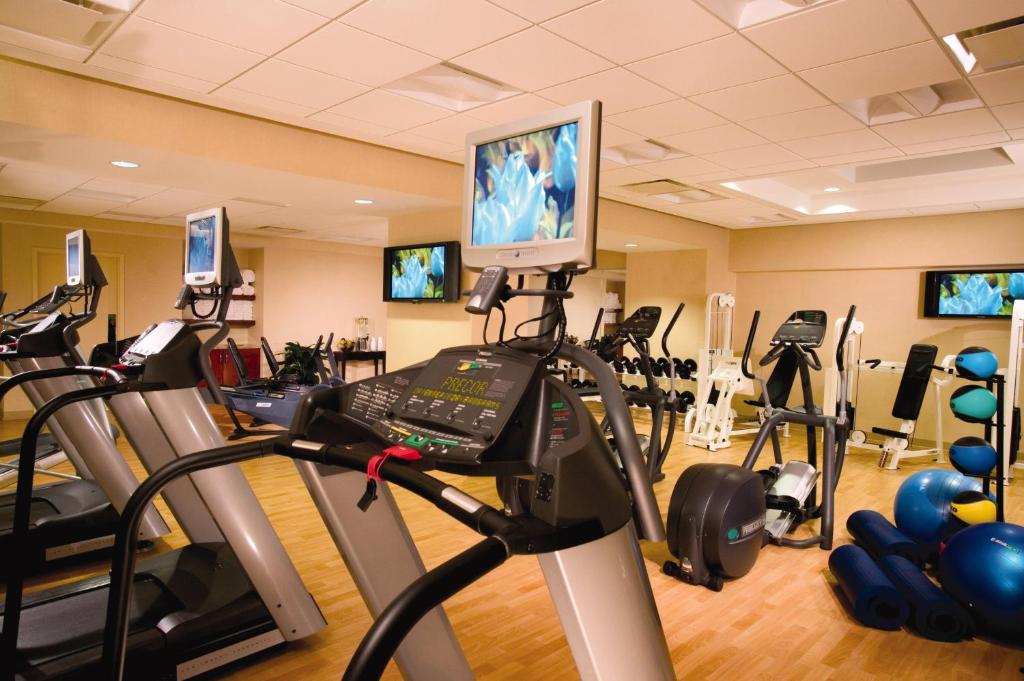 The fitness center and/or fitness facilities at Omni Chicago Hotel & Suites Magnificent Mile