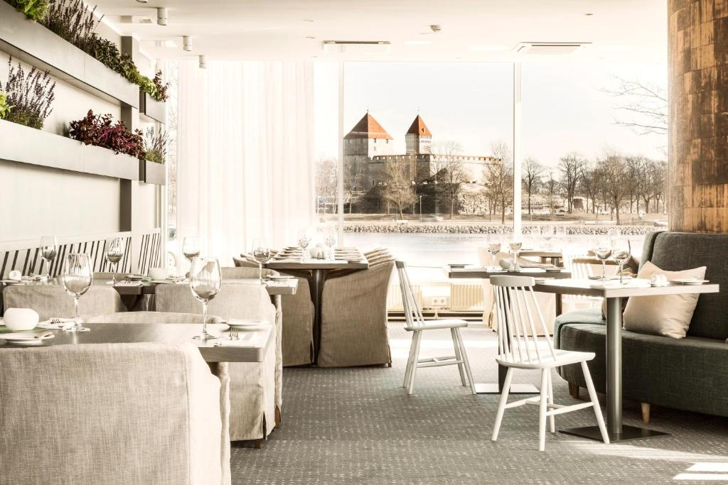 A restaurant or other place to eat at Georg Ots Spa Hotel