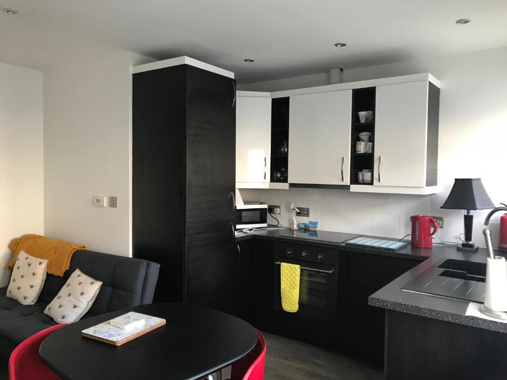 A kitchen or kitchenette at Boughton Road