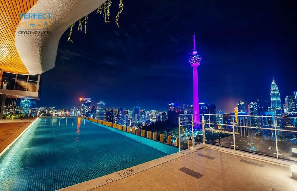 The swimming pool at or close to Ceylonz KLCC by Perfect Host