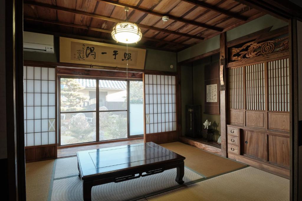 一棟貸自炊可-海辺の古民家で楽しむ昭和ライフ-熊野古道歩きの拠点に-Wi-Fi-駐車場2台無料