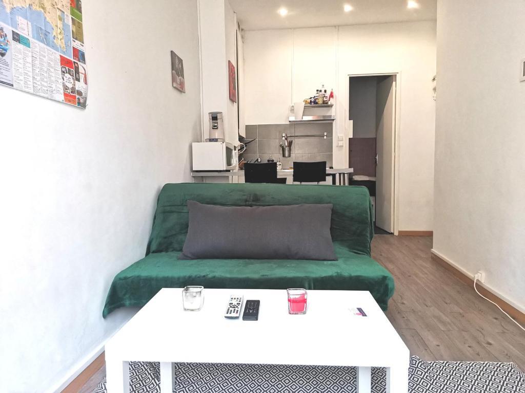 A seating area at MySofa'da studio hypercentre ALL INCLUSIVE