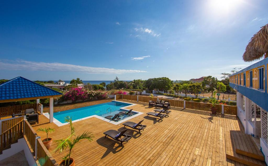 A view of the pool at Butterfly Hill Villa & Studio Apartment or nearby