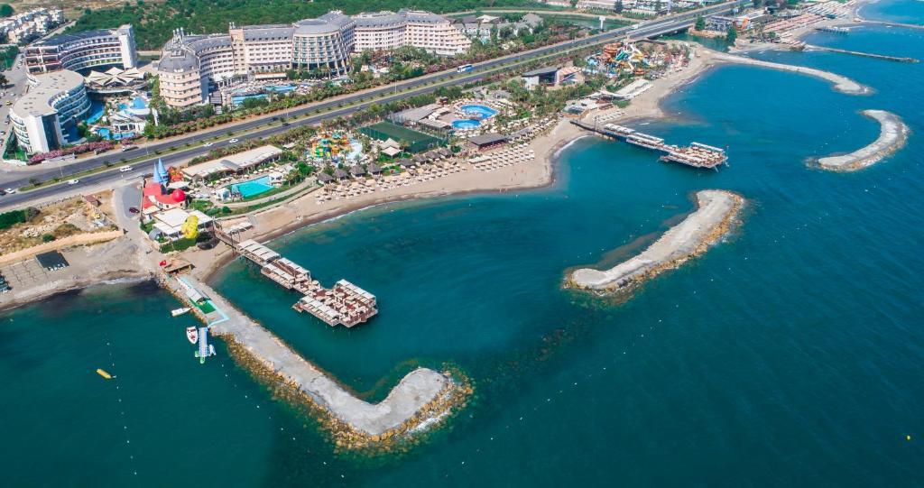Een luchtfoto van Long Beach Resort & Spa Deluxe - Ultra All Inclusive