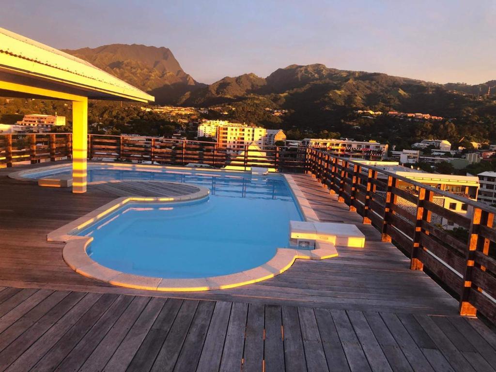 A piscina localizada em STUDIO Le Regent ou nos arredores