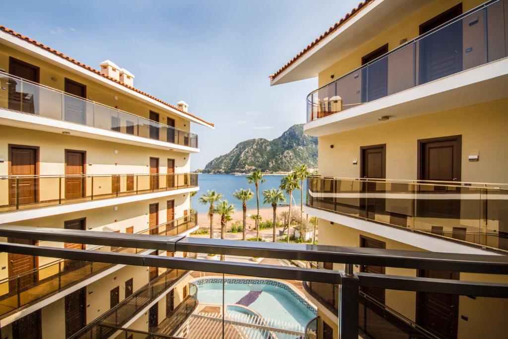 Een balkon of terras bij Sea Star Marmaris - Adult Only